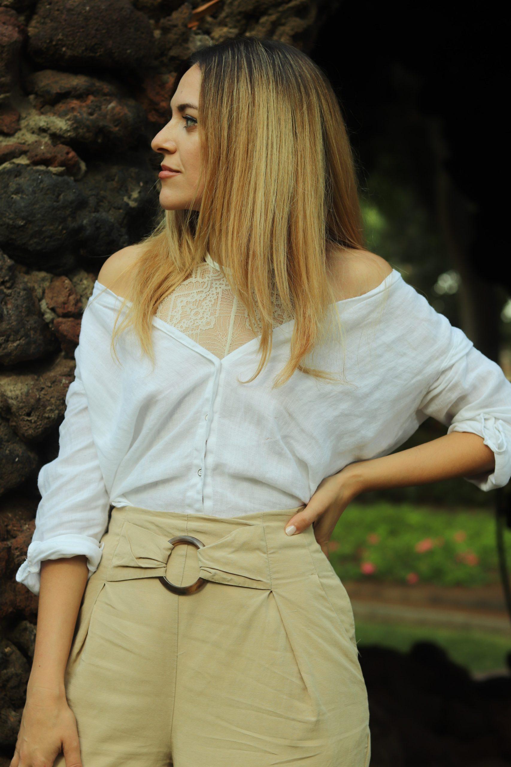 Cómo combinar un body blanco: look con pantalón y camisa blanca