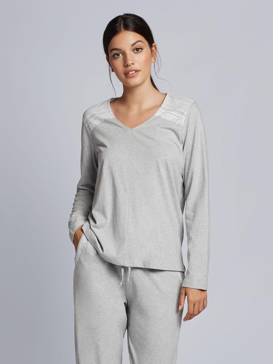 Pijama gris con encaje de Gisela
