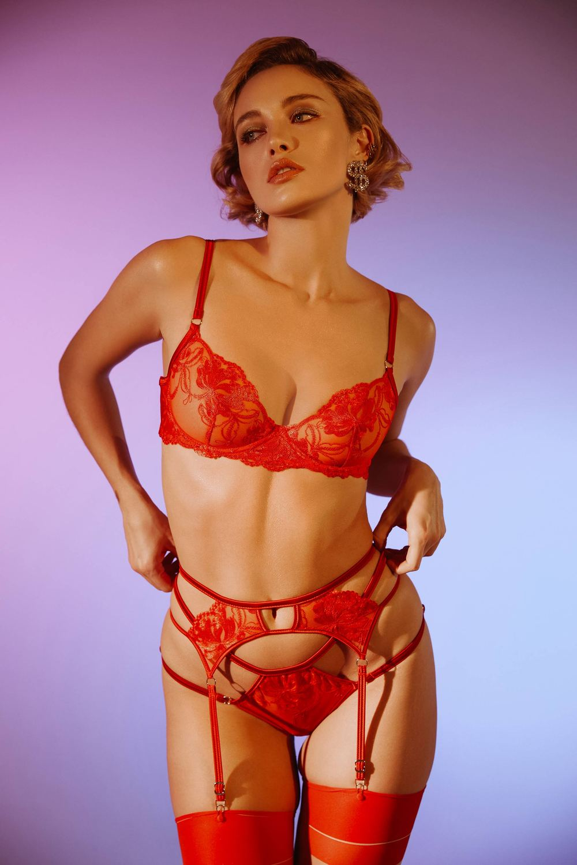 Ropa interior roja para nochevieja: Red Poison, de Marie Mur